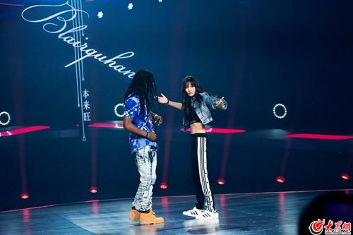 Angelababy《新舞林大会》公益舞被赞大胆尝试嘻哈舞露马甲线