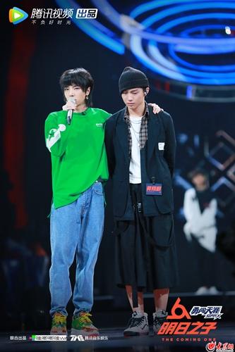 《明日之子2》华晨宇对黄翔麒的鞠躬,是不舍,也是对他音乐的尊重