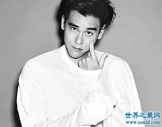 彭于晏出柜某公司CEO,钢铁直男摇身一变成基佬(www.souid.com)
