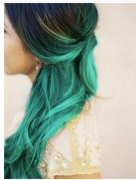 薄荷绿头发