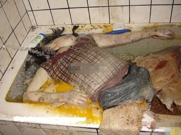 浴室少女自杀二十天事件真相 少女浴室20天生前样子4