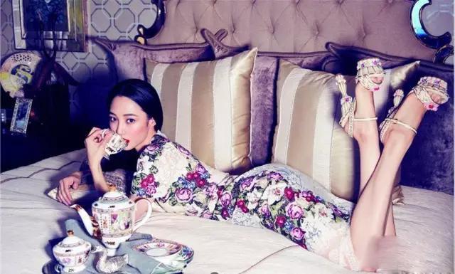 白百合漂亮吗 白百何虽然不是最美的,但是却是很有气质的女人!