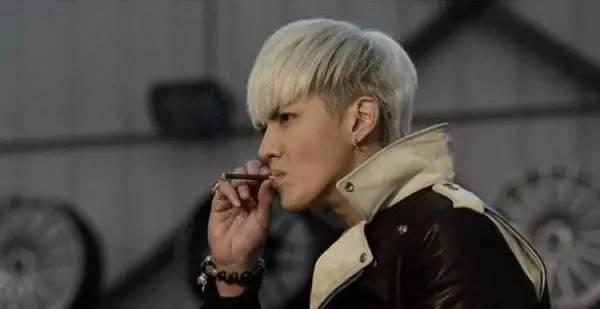 抽烟图片然而,如果你看了以下这一组图片,之后再面对吸烟这个元素时,想必会有另一番感受吧。  抽烟并不