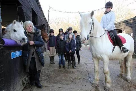 英国马 实用收藏!伦敦都有哪些不错的马场?