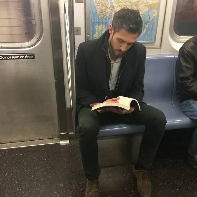 德国帅哥禁欲系帅哥 收录了全世界的禁欲系帅哥,这本火爆朋友圈的书,所有女人都想读