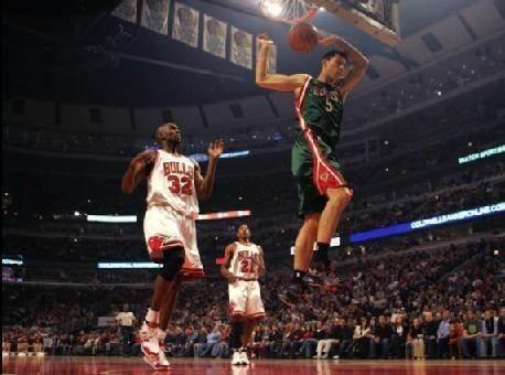 易建联nba 巅峰时期的易建联在NBA有多强?看完这些你就明白了!