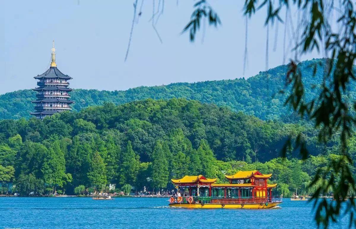 中国哪里旅游最好玩 有人再问你中国哪里最好玩,就把这个甩给他!2018国内最佳旅游目的地来袭,选一个