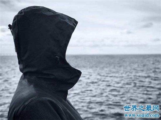呼兰大侠堪称2017白菜网送彩金验证手机第一悍匪,让不少警察不敢穿警服(www.souid.com)