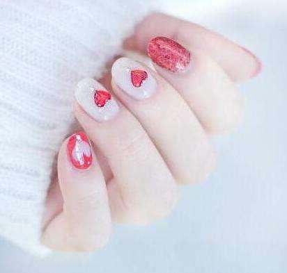 爱心美甲教程图解:心形美甲让指尖甜美迷人到不行