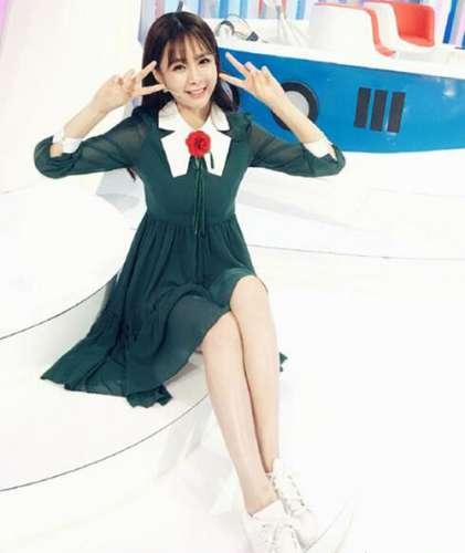 女星沈梦辰同款连衣裙:早秋穿这些款式甜美气质