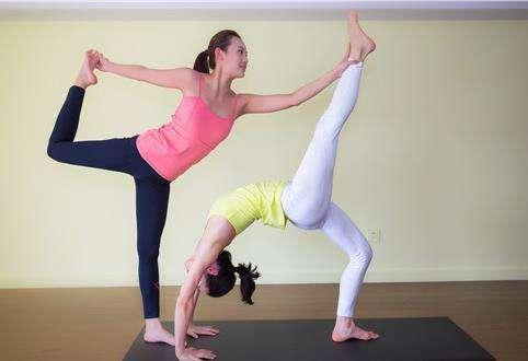 练瑜伽减肥效果好:练瑜伽瘦腿瘦全身(图)