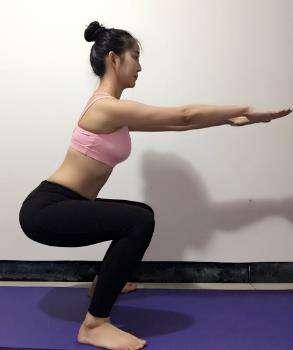 怎样运动才能瘦腿:六个强力瑜伽瘦腿动作