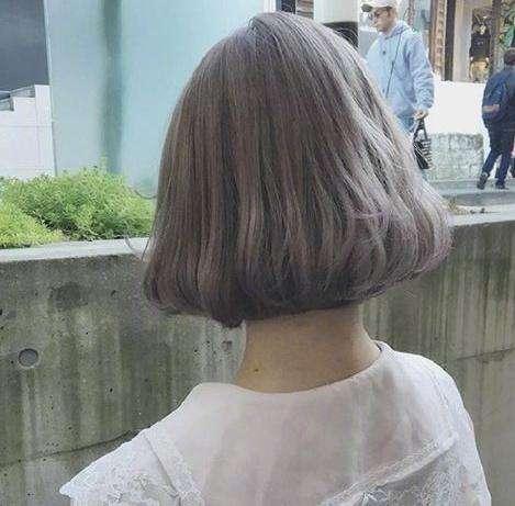 2017流行什么短发:短发外翘好看更时髦拉风