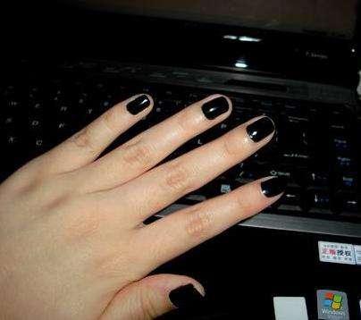 粗手指适合的美甲颜色:手部变的漂亮而修长的美甲款