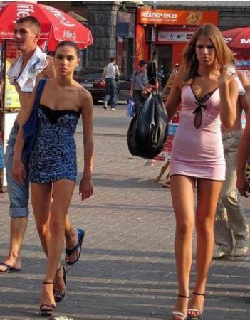 世界上最缺男人的国家:男女比例失调就剩美女了