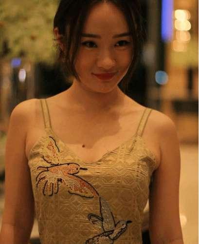 霍思燕的胸有多大图:霍思燕的胸几罩杯一看图便知道