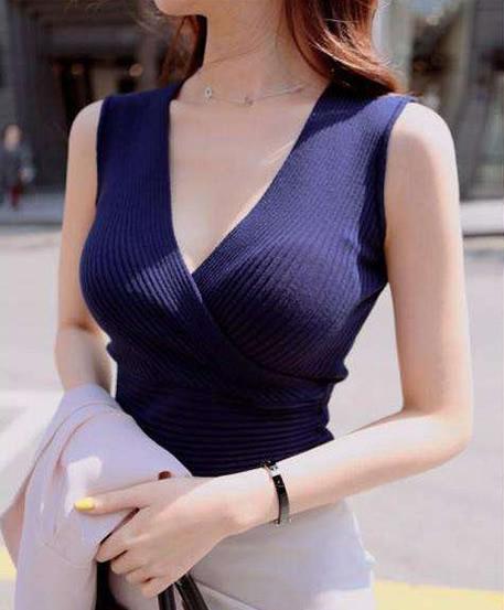 美女的胸部图片:美胸5个标准,睡前小按摩护胸部