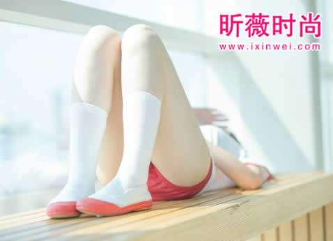 女人摸腿间这处睡得更舒服(图)