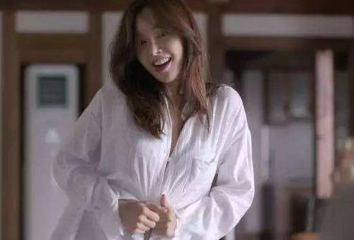 韩国好看的r级电影女主漂亮剧照(图)