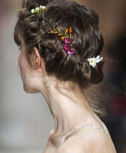 2017年最新新娘发型:仙气十足的新娘造型圣洁迷人