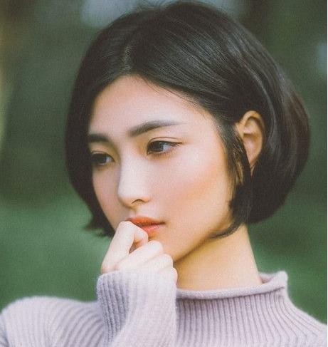 头发多适合什么短发发型:头发多女生最适合剪的短发图片