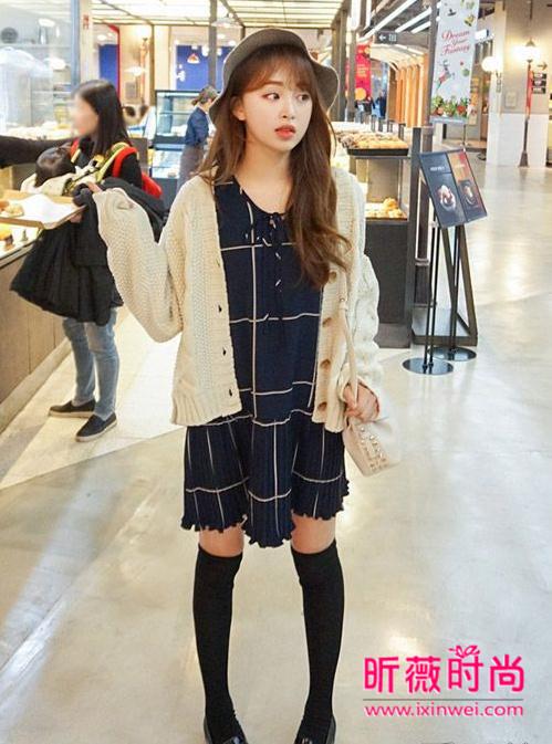 新款韩版针织开衫迷人小清新 美女们都爱穿的春装
