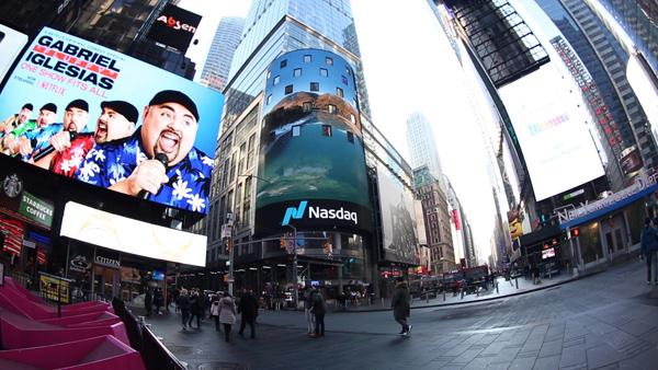 VR《本色中国》拜年预告片亮相纽约时代广场