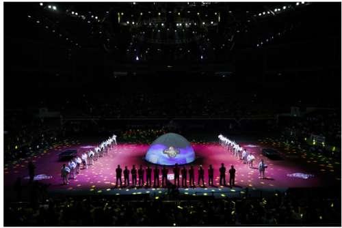 酷炫开幕式尽显科技感,地表最强12人王者归来