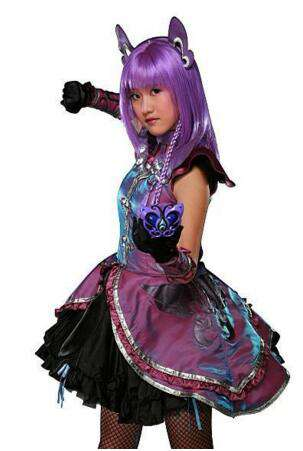 巴拉拉小魔仙严莉莉扮演者刘美含,如今长成大美女了