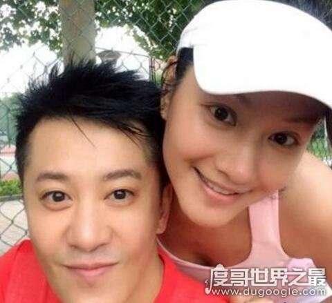 毛宁老婆李静萍是酒吧女,一手捧红毛宁和杨钰莹金童玉女