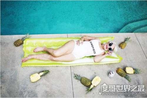 世界上最时尚的老奶奶,86岁奶奶穿泳衣走秀成头牌模特