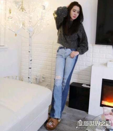 王祖贤减肥成功又美回来了,近照大秀修长美腿身材让人羡慕