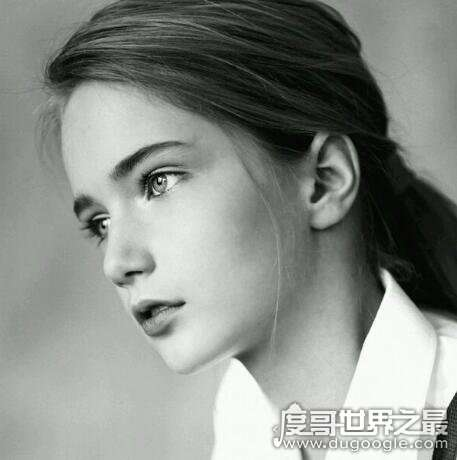 俄罗斯童模marta krylova,只有12岁的她是个气质清冷的美人