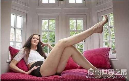 世界最长腿小姐,埃卡特里娜·利辛娜(腿长132厘米)