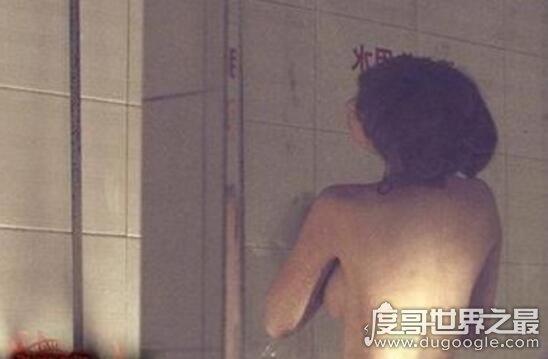 柳岩的胸zǒu guāng照片,完美胸型一览无余(E罩杯lù沟)