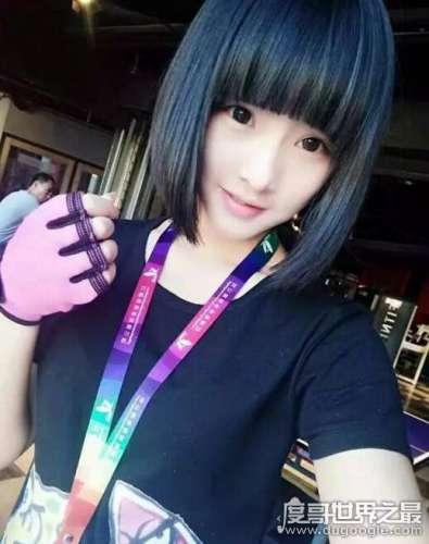 中国最美臀部高倩,19岁清纯少女的火辣身材