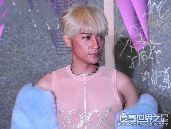 陈志朋为什么变成这样,靠妖艳骚气的奇装异服来吸人眼球