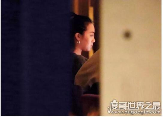 杨祐宁新恋情曝光,女友与杨妈妈共进晚餐后回到男方家中