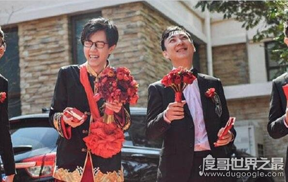 """好友婚礼王思聪送劳斯莱斯,网友:""""有个有钱的朋友真好"""""""