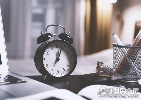 """古时候的四更是几点?对应时辰是""""丑时""""(指01:00-03:00)"""