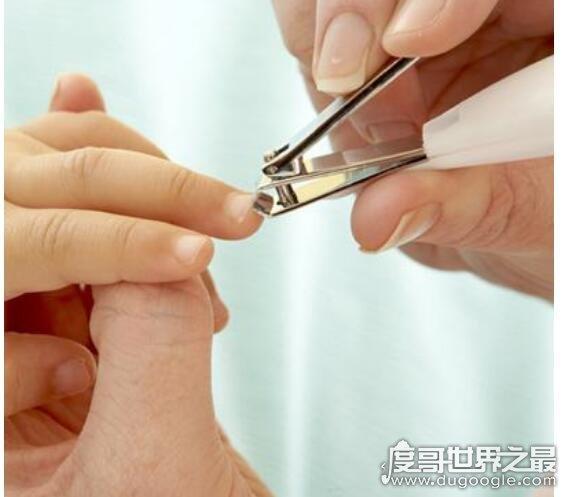 为什么晚上不能剪指甲,是有科学依据的(也有迷信传说)