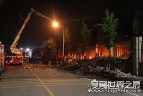 突发!昨晚浙江意尔康仓库大火,8万双皮鞋被焚烧殆尽