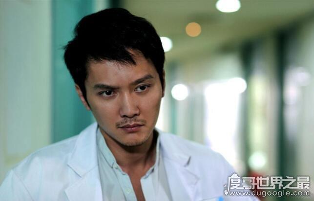 冯绍峰家境被扒,网传父亲资产超过10亿(果然家里有矿)