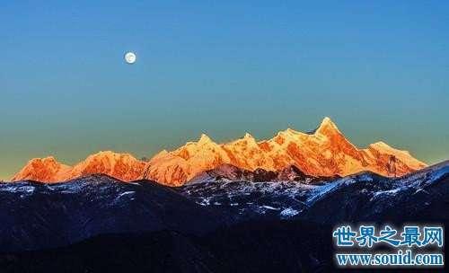 中国十大最美的山峰排行榜,神秘的泰山的风景最迷人