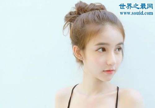 泰国最美变性人Yoshi,14岁可爱萝莉风秒杀众人