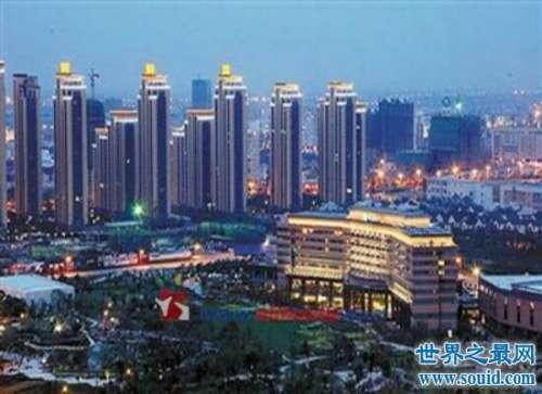 中国鬼城发生完美逆袭  曾经街上空无一人现在人满为患