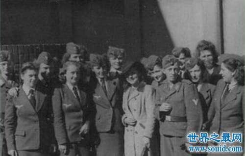 T-4护士组其实是屠杀组织,二战女魔鬼害死十万病人