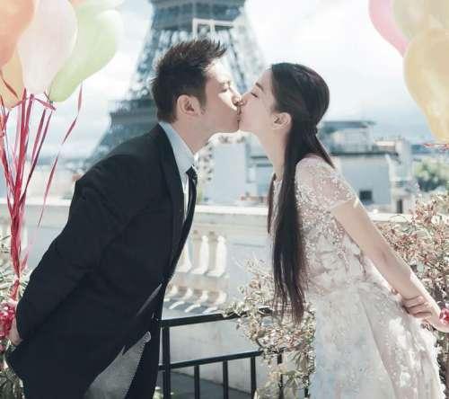 AB杨颖手指骨折仍坚持抽烟,引网友猜测,是否婚姻状况亮红灯?
