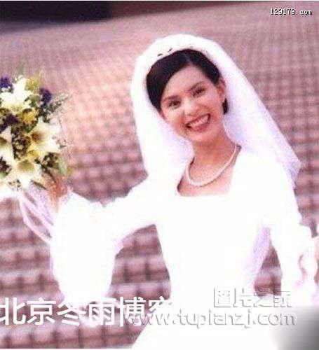 李若彤早年婚纱照 甜美又清纯