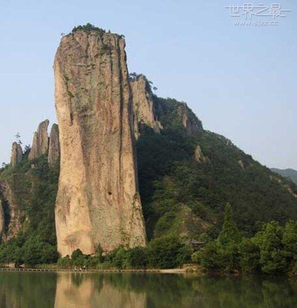 世界上最高的石笋 被称为天下第一峰